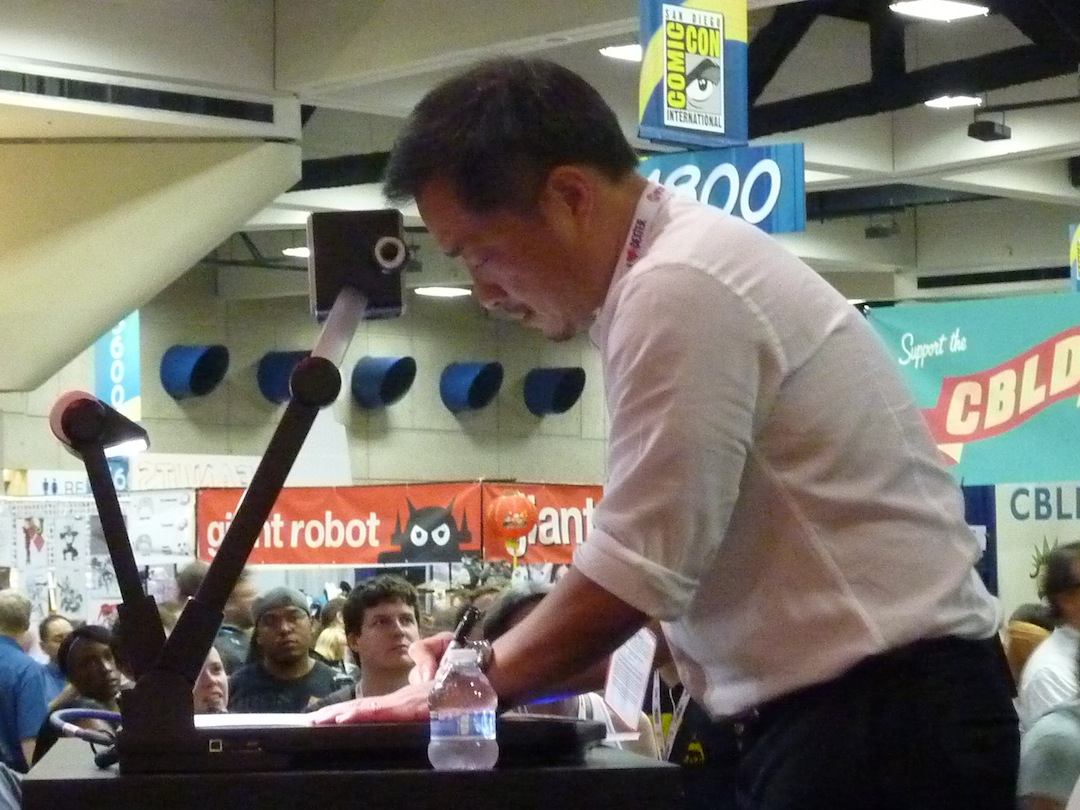 Comic Book legend Jim Lee giving a demonstration at the DC Comics booth. Photo by Nolan P. Smith.